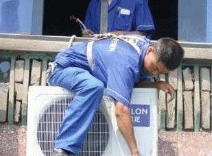 高温下南京空调维修进入高峰期